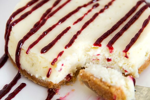 Lime Cheesecake with Blackberry Sauce - Use preferred sweetener