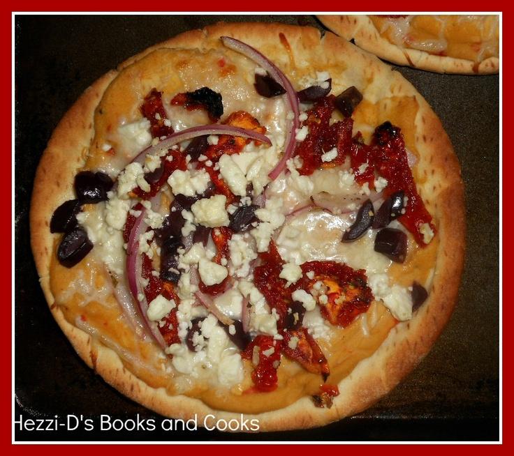Greek Pita Pizzas=Quick, healthy, delicious.