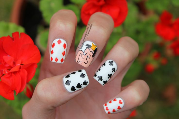 """Off with his head"" - The Queen of Hearts nails"