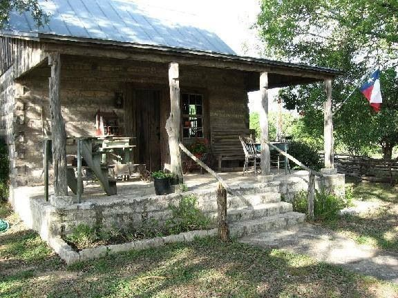 Rustic log cabin homes pinterest for Texas hill country cabin builders