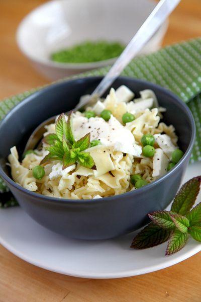 Pea Mint and Feta Pasta | Scrumptous Salads | Pinterest