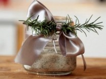 homemade rosemary salt | Gardening: Herbs & Spices | Pinterest