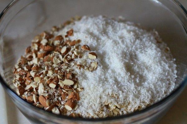 Coconut granola | breakfast | Pinterest