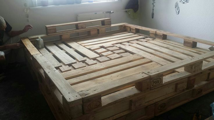 1000 ideas about bett aus europaletten on pinterest europalette coole m bel and duvet. Black Bedroom Furniture Sets. Home Design Ideas