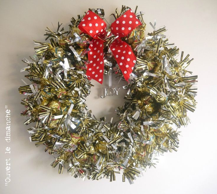 Couronne de Noël en papillotes. Pour les gourmandes ! Une super idée de Menley  sur son blog ...