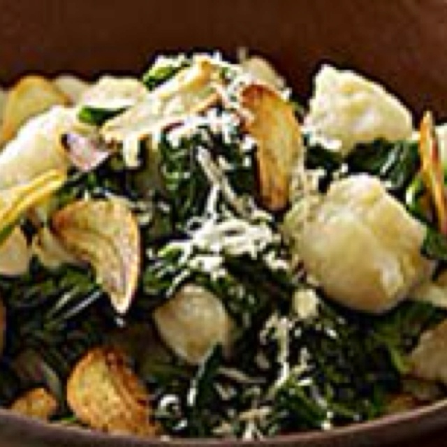 Spinach & gnocchi with garlic chips ... http://www.rachaelraymag.com ...