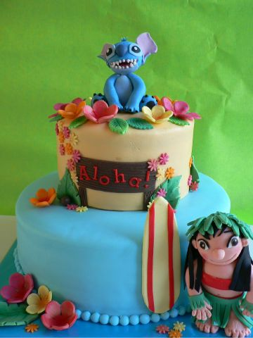 Lilo & Stitch birthday cake. This would be awesome for my 30th- since we'll be I'm Hawaii ;)
