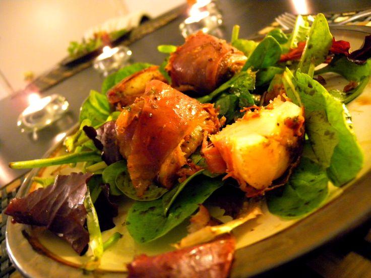 Prosciutto Wrapped Scallops w/ Sundried Red Tomato Pesto on an Arugula ...