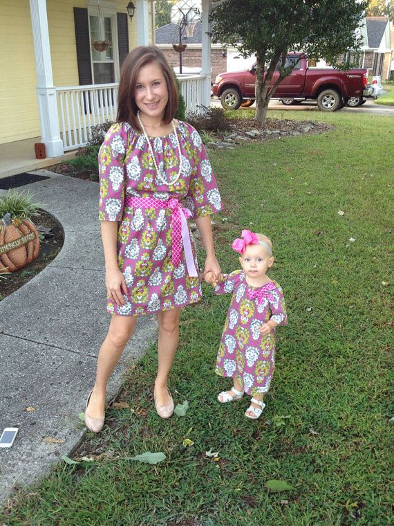 Mommy And Me Christmas Dresses photos