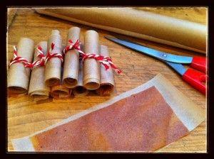 DIY Persimmon Fruit Leather / momskitchenhandbook.com