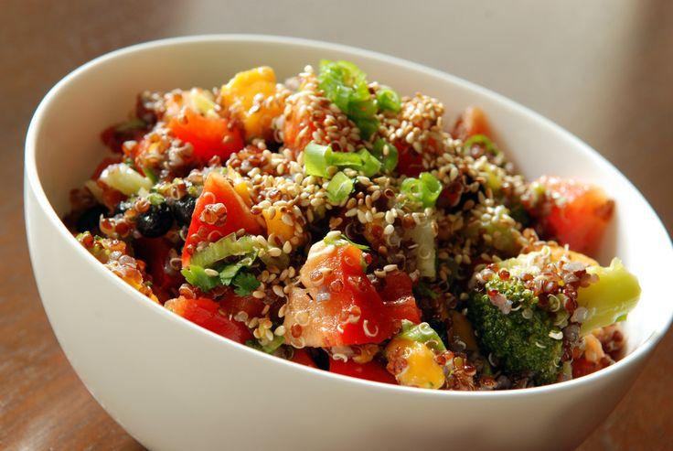 Mango, Black Bean and Quinoa Salad | salads | Pinterest