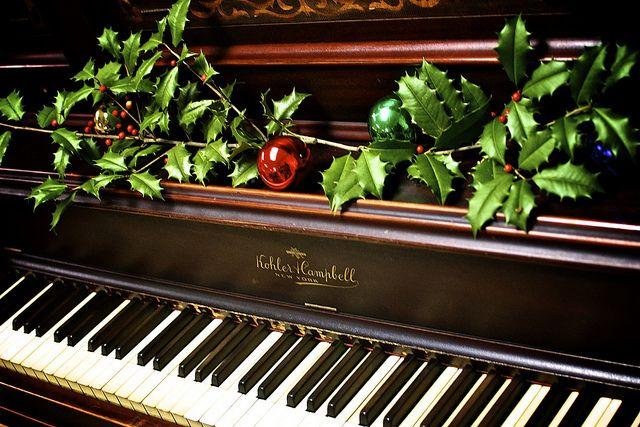 Decorating Ideas > Pin By Sheena Marnon Musinovic On Holiday Ideas  Pinterest ~ 062026_Christmas Decoration Ideas Piano