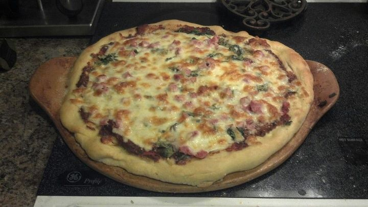 Mike's famous Ham & Spinach pizza