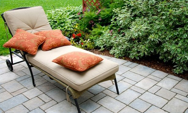 How to Recover a Patio Chair Cushion