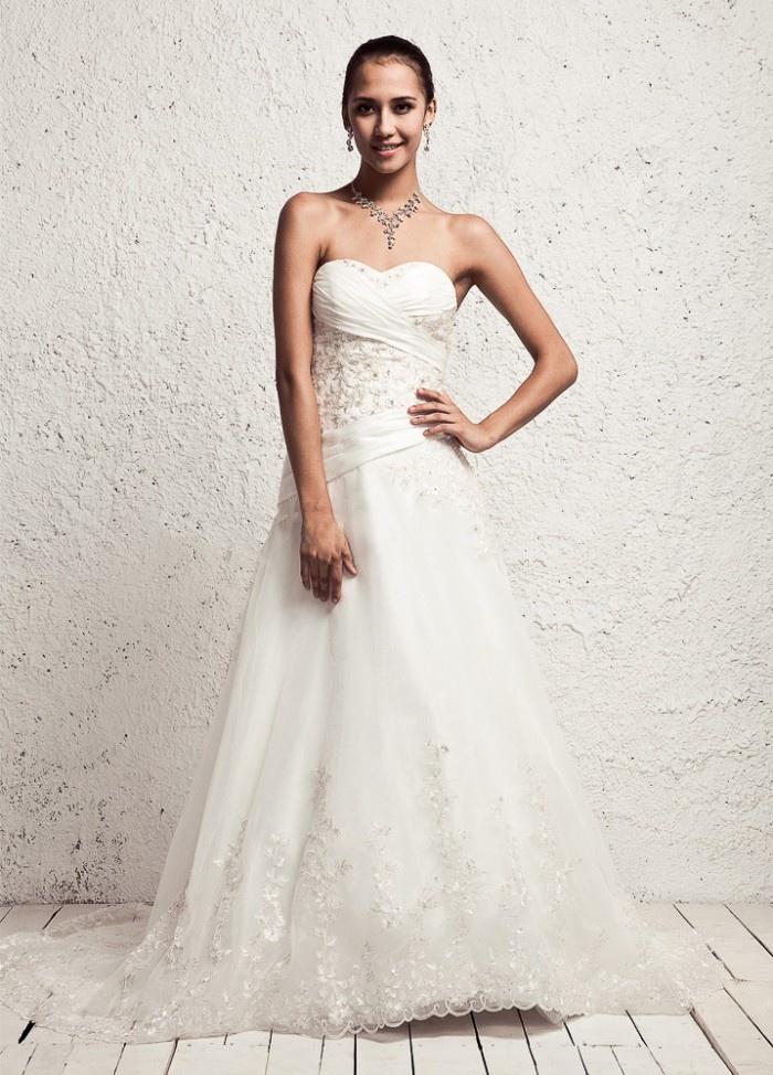 Sweetheart Neckline Natural Waist Organza Wedding Dress with Lace Hem $308.98