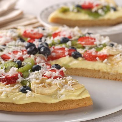 ... Sugar Cookie Dessert Pizza (Intermediate; 12 servings) #fruit #pizza