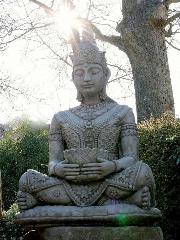 Stunningly Detailed Sitting Buddha Garden Ornament Statue 400 x 300