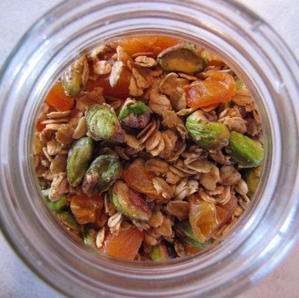 Pistachio Apricot Granola | Pastas & Salads | Pinterest