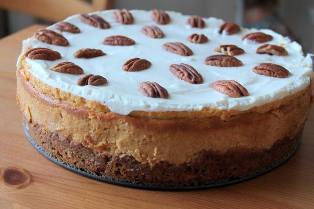 Bourbon Pumpkin Cheesecake | christmas table | Pinterest