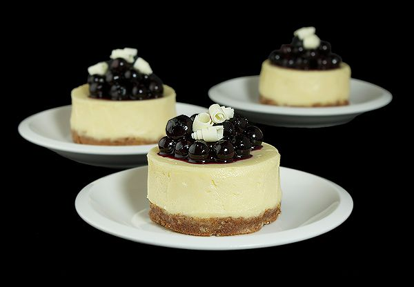 Mini-Blueberry Cheesecakes | I ♥ Sweets | Pinterest