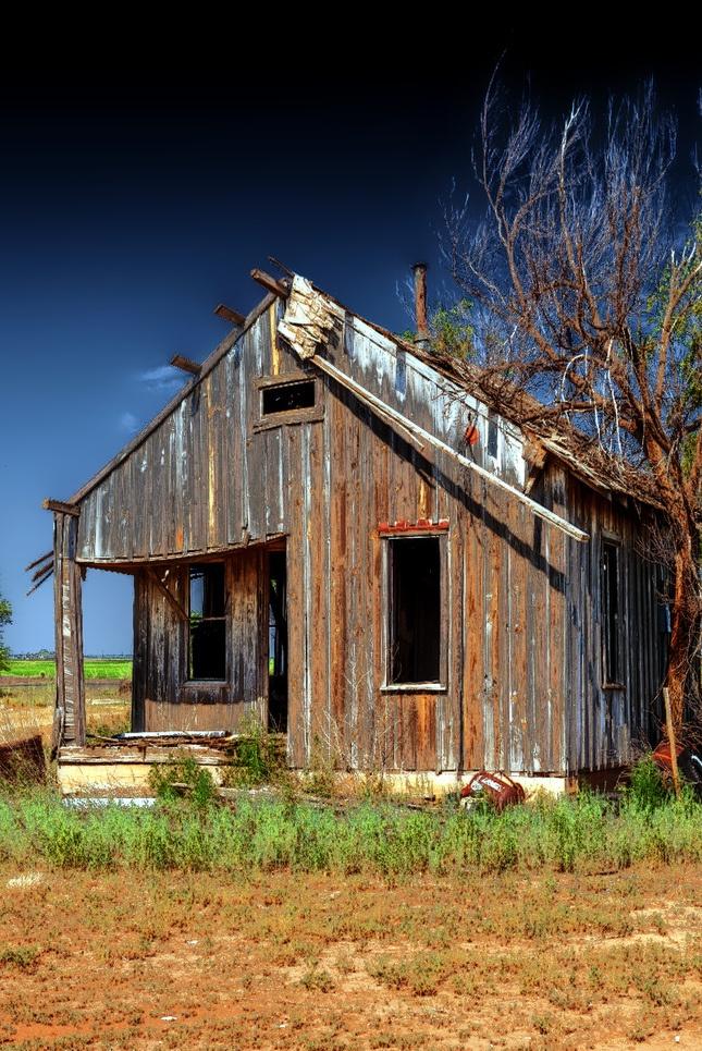 Small Old Farm House Old Farmhouses Pinterest