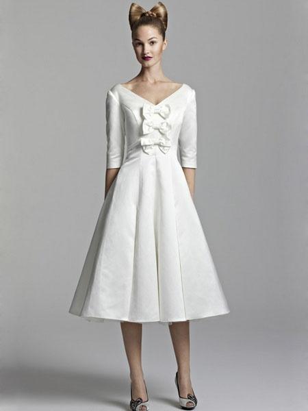 ... by Di Ro on Kurze Brautkleider, Standesamt, Abendkleider, Feierta