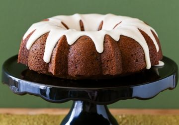 Spiced Applesauce Cake Makes 1 Bundt cake Move over weird-colored ...