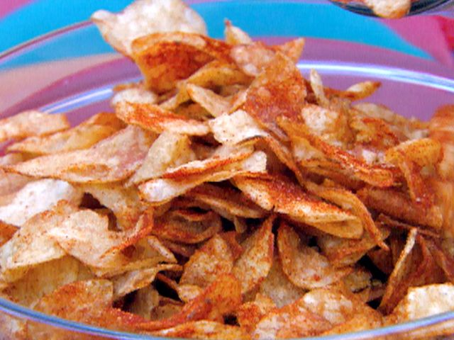 Homemade BBQ Potato Chips with Smoked Paprika from CookingChannelTV ...