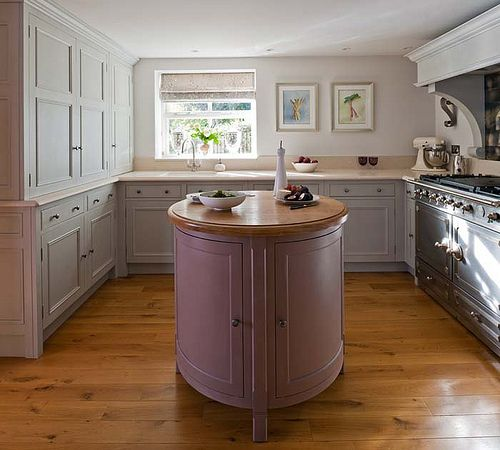 Stunning Small Round Kitchen Island 500 x 450 · 38 kB · jpeg