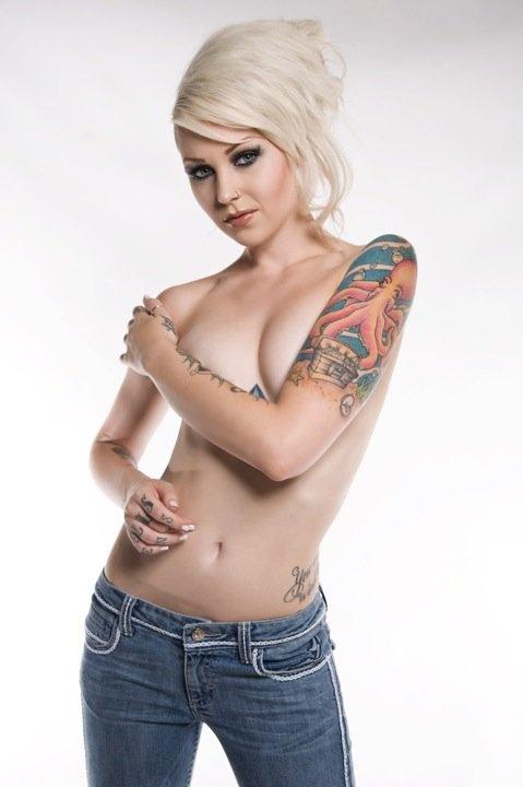 Hot arm tattoos for girls tatts pinterest for Hot tattoos for females