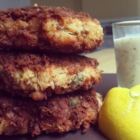 Gluten free crab cakes with lemon dill aioli