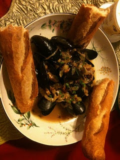Mussels with jalapenos, bacon, shallots, roasted fennel and garlic in ...