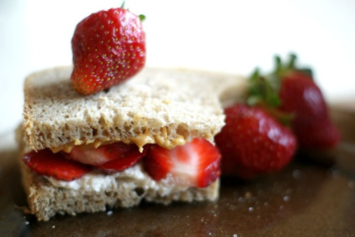 Ricotta And Strawberry Sandwich Recipe — Dishmaps