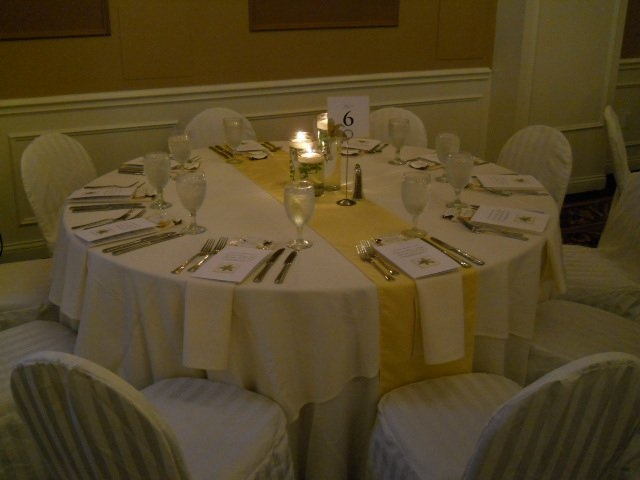 So elegant! Yellow weddings are beautiful!