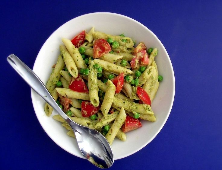 Spinach-Artichoke Pesto Pasta with Tomatoes & Sweet Peas from Poor ...