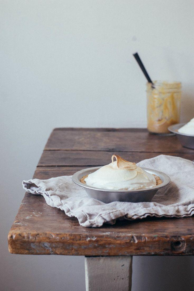 Rhubarb Meringue Tarts | creative food | Pinterest