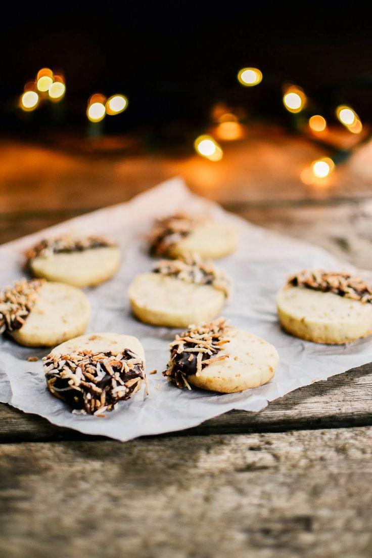 toasted coconut shortbread | Let's bake! | Pinterest