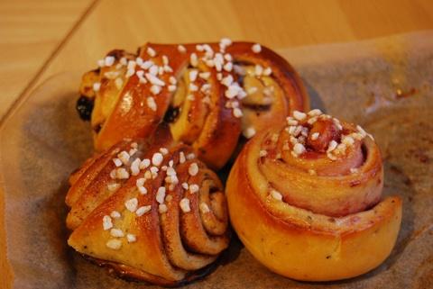 Pulla (Finnish cardamom rolls)   Vittles   Pinterest