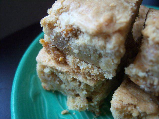 Butterscotch Blondies | #Foodiechats Favorite Recipes | Pinterest
