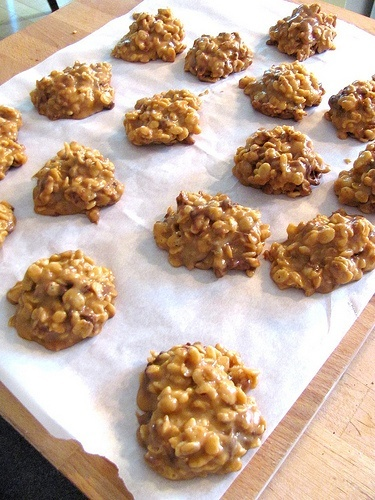 No-Bake Stovetop Peanut Butter Cookies. (Substitute GF Rice Krispies ...