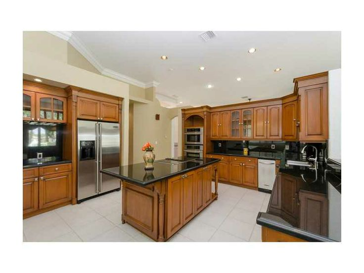 Huge kitchen Huge Kitchen