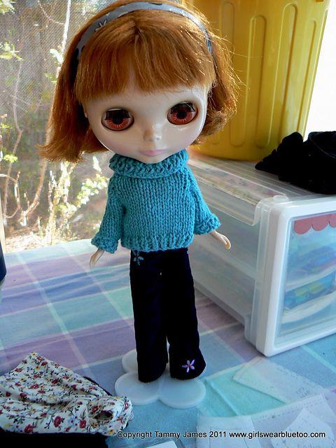 Blythe Knitting Patterns : Blythe Sweater Knitting Pattern, Free. Dolls Pinterest