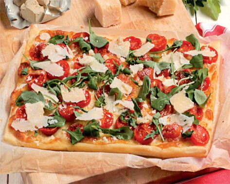 Pizza with arugula and cherry tomatoes (translate from Italian)