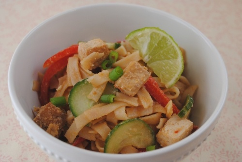 Thai Noodles and Tofu with a Spicy Peanut Sauce #vegetarian