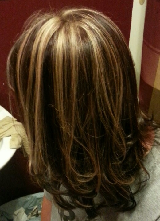 mahogany brown hair with caramel highlights hairstyle