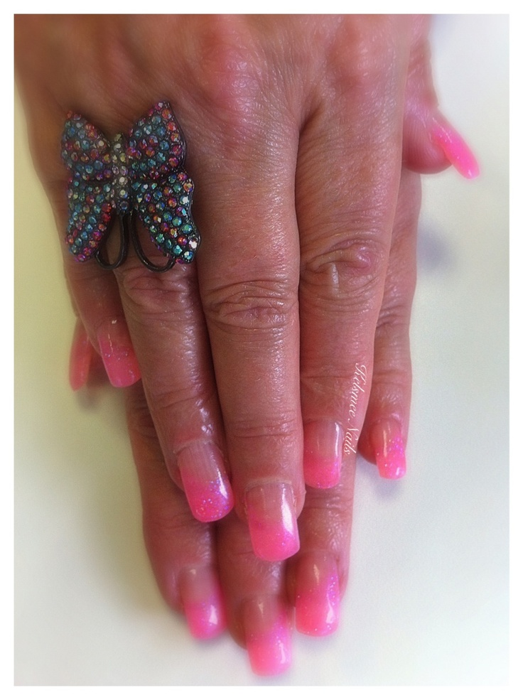 Young Nails gel french glitternails Pinkie Las Vegas | Kelsmee Nails