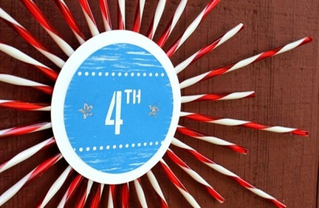 I'm envisioning yellow straws and circle for a Golden Birthday Party coming up this Fall - 31 Creative Ideas for July 4th Decorations via Tip Junkie