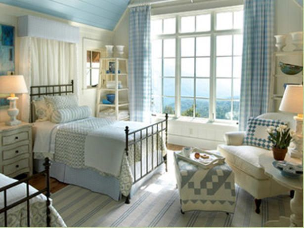 LOVE this sweet blue and white bedroom - great blue ceiling