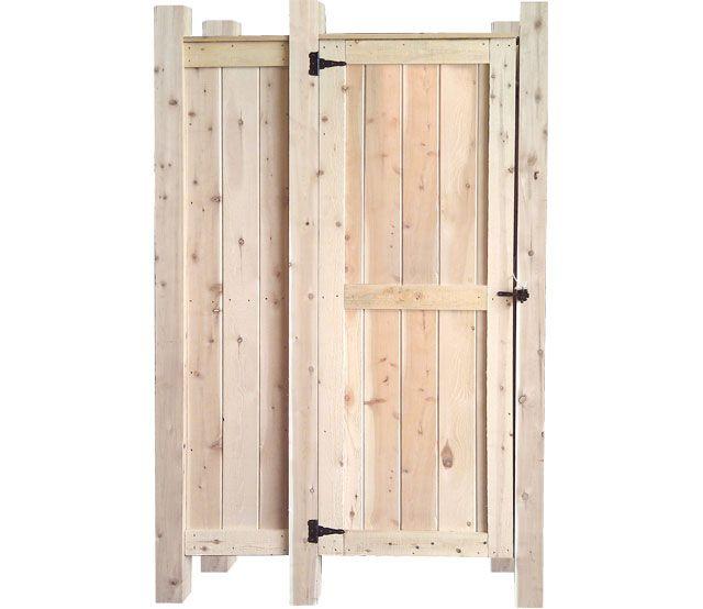 Build an outdoor shower diy living gardenfork tv jaylor for Outdoor shower doors