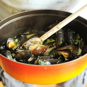 Coconut green curry mussels | Savory | Pinterest
